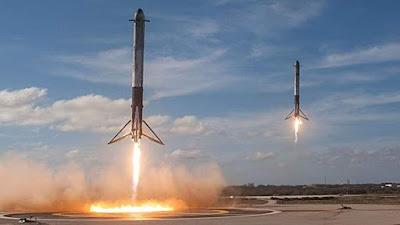 عودة صواريخ التعزيز الجانبية لصاروخ فالكون هايفي Falcon Heavy بعد إيصال القمر الصناعي السعودي عربساتArabsat-6A إلى الأرض