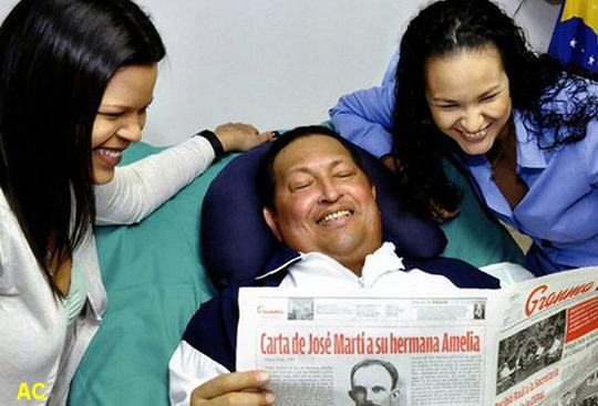 Hugo Chavez junto a sus hijas
