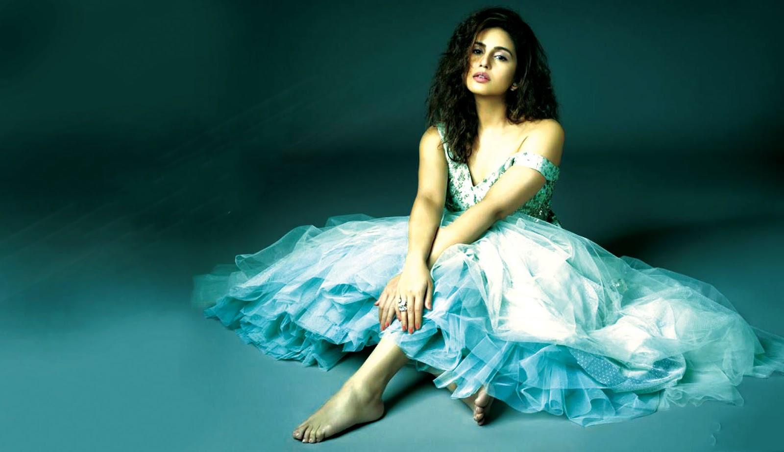Download Bollywood Actress Hd Wallpapers 1080p Free: Huma Qureshi Wallpapers HD Download Free 1080p