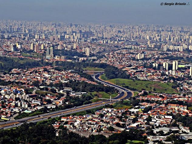 Vista do Mirante do Pico do Jaraguá - São Paulo (Zona Oeste) e Rodovia Anhanguera