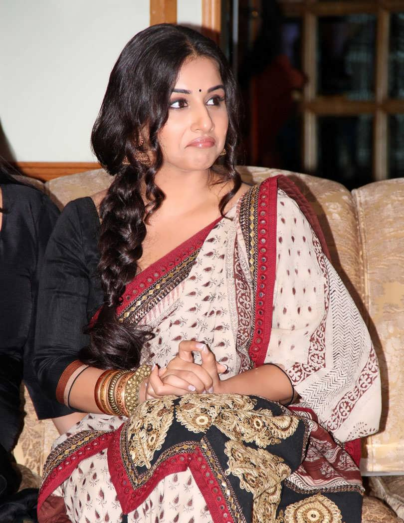 Bollywood hot actress vidya balan 2016 photos in white for Amisha indian cuisine