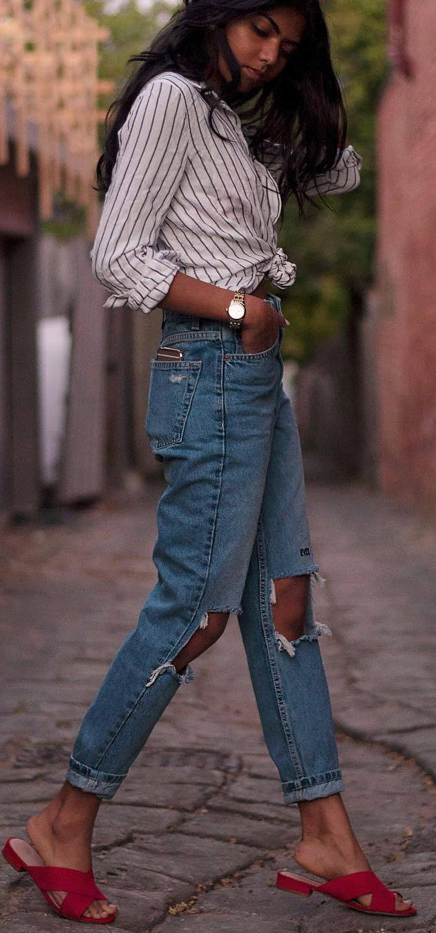 cool street style outfit: shirt + ripped jeans + flip-flop