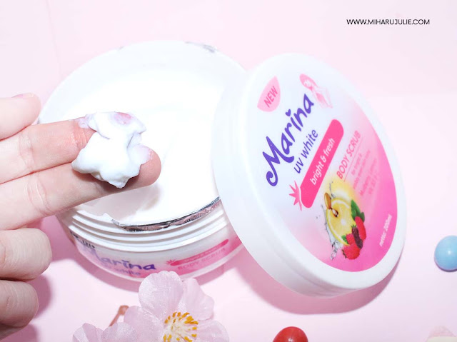 review Marina UV White Body Scrub