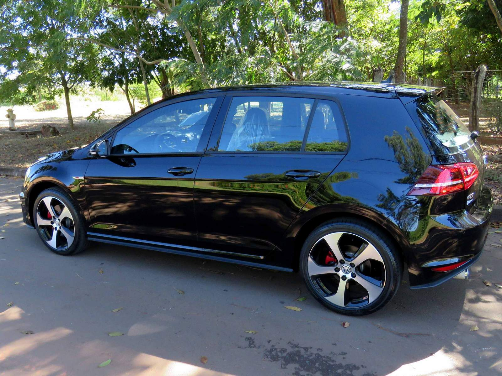 volkswagen golf gti o primeiro nacional que vai a 240 km h car blog br. Black Bedroom Furniture Sets. Home Design Ideas