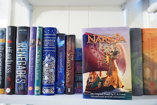 The Chronicles Of Narnia by C.S. Lewis [bookshelf picture/cover image]