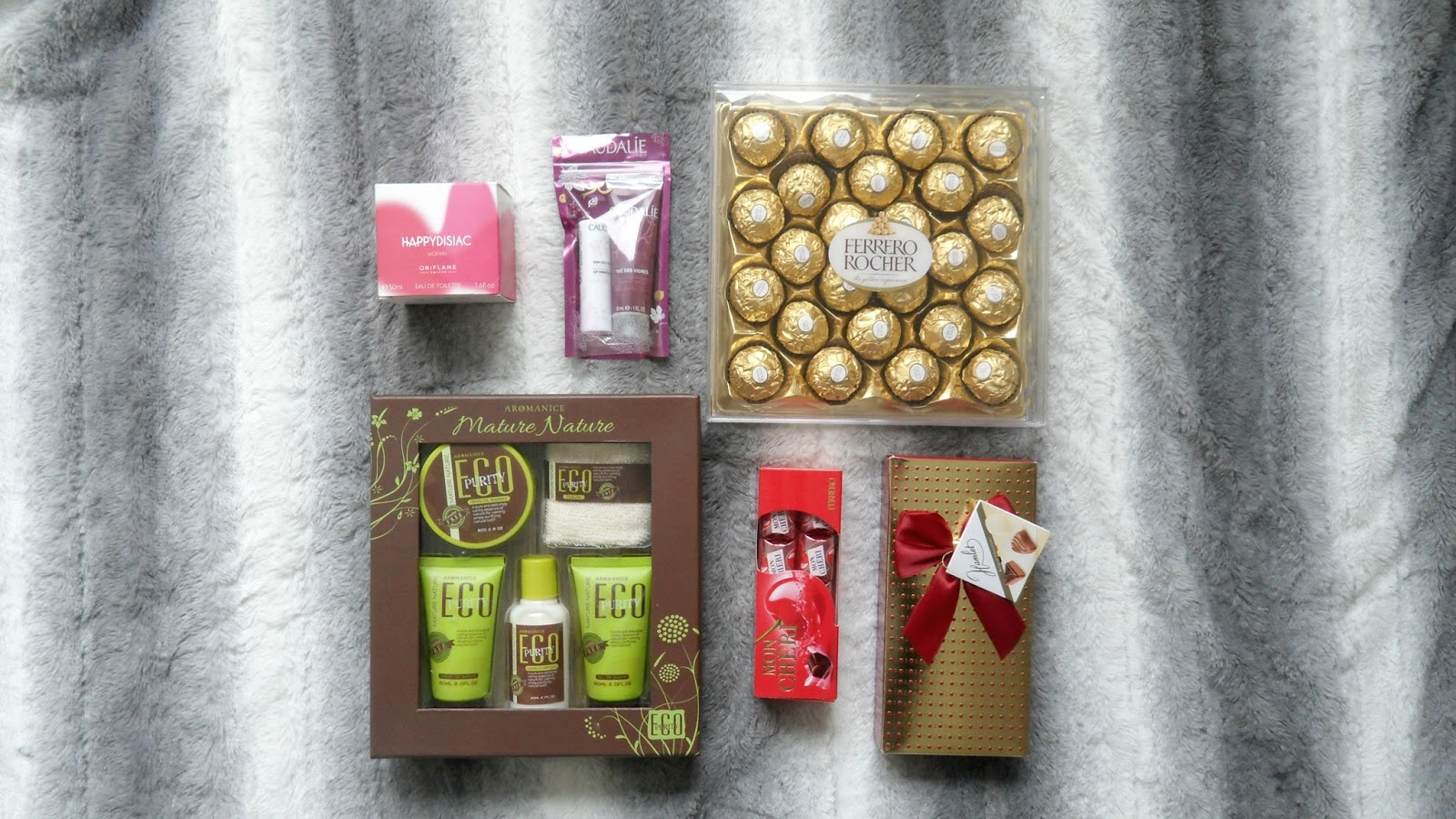 4 Things Every Girl Loves To Get For Christmas