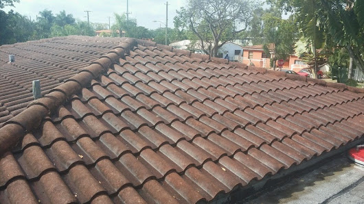 Roof Cleaning & Painting - Miami Springs