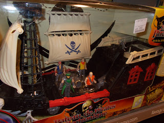 Action Figures; Bateau de Pirates; Baubles; Christmas Bauble; Christmas Baubles; Christmas Decoration; Electronic Pirate Ship; Navio de Piratas; Pirate Novelty; Pirate Ornament; Pirate Ship; Pirate Toy; Pirates; Red Box; Red-Box; Red-Box Pirates; RedBox; RedBox Pirate Ship; Sailing Ship Toy; Small Scale World; smallscaleworld.blogspot.com; Tai Sang;