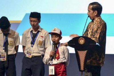 Jokowi Ingin Sekolah Ajarkan Pengusaan Teknologi