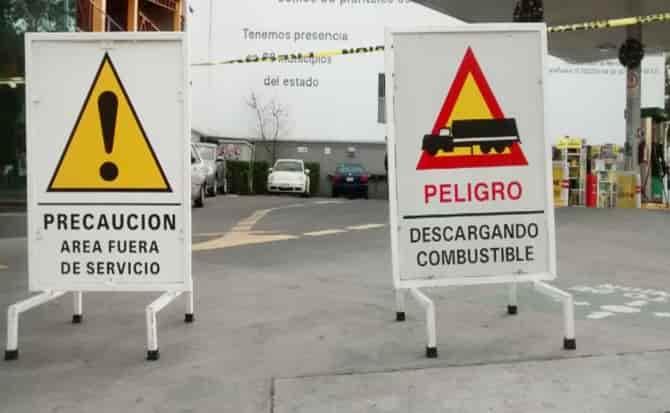 Precaución, desabasto, combustible,coches