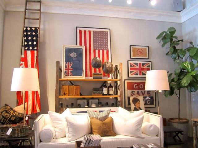 Decoración de sala con banderas