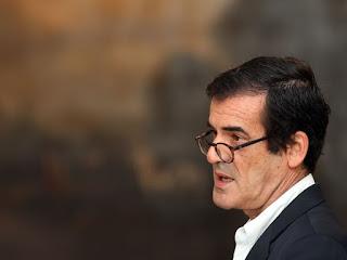 http://24.sapo.pt/atualidade/artigos/modelo-de-voto-e-anacronico-e-ditadura-podera-regressar-a-portugal-diz-rui-moreira