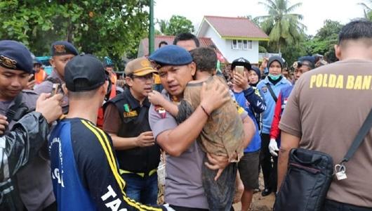 Dramatisnya Evakuasi Ali Bocah Korban Tsunami di Carita