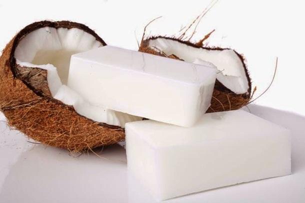Sabão de coco ajuda a eliminar a seborreia