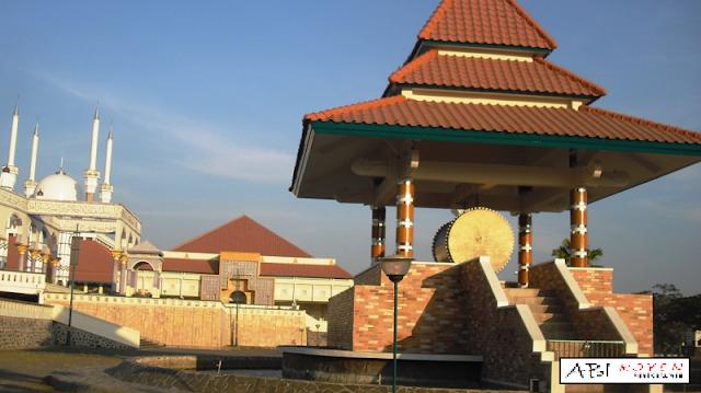 Destinasi Wisata Terbaik di Kota Semarang Masjid Agung Jawa Tengah