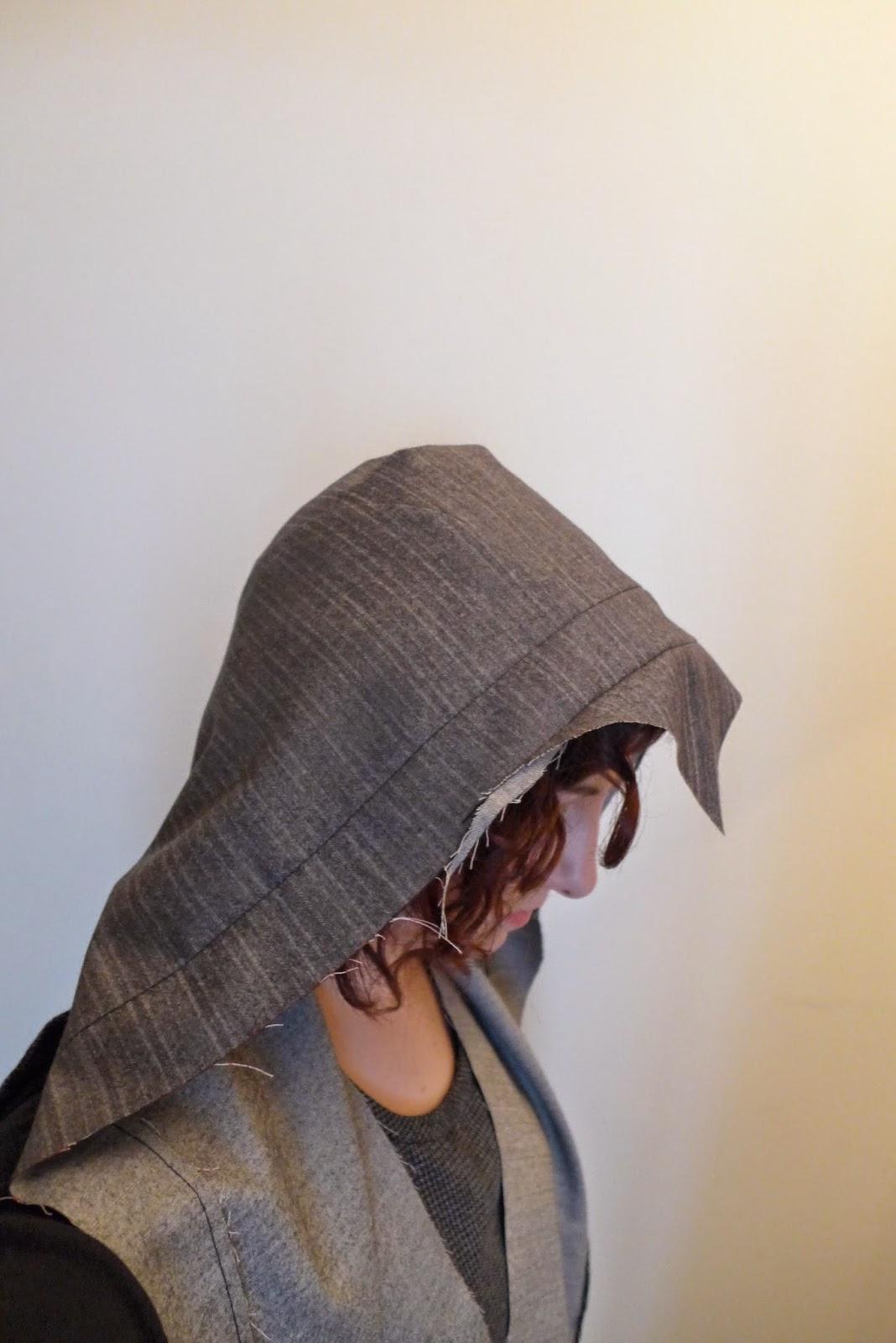 création d'une capuche en couture, Assassin's Creed