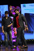 Allu Arjun at Oka Manasu Audio launch-thumbnail-12
