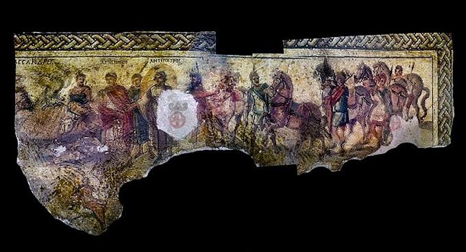 Φωτογραφίες των λεηλατημένων ψηφιδωτών βοηθούν να εντοπιστεί η ημερομηνία ίδρυσης της Ελληνικής πόλης Απάμειας .