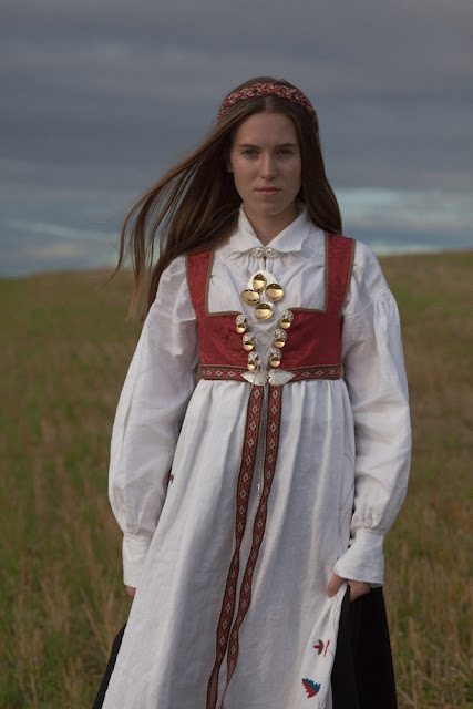 Hedda in Folk Costume