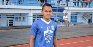 Persib Bandung Seleksi Calon Pemain Baru Rafid Lestaluhu