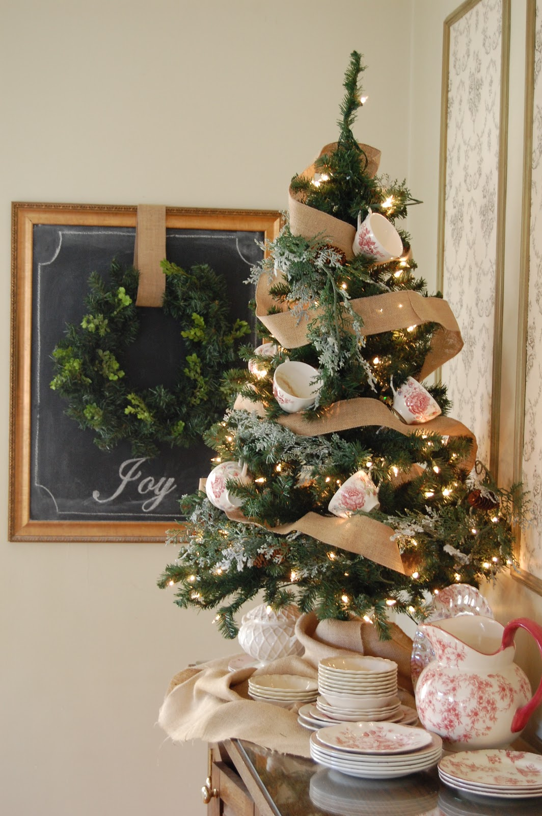 Love And Life At Leadora A Christmas Dining Room