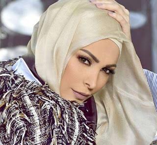 حقيقة خلع الفنانة اللبنانية أمل حجازي الحجاب