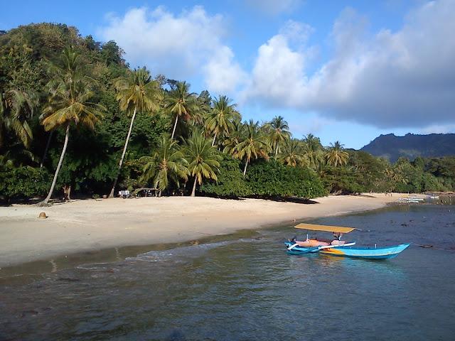 Yuk..!! Liburan Ke Pantai Pasir Putih Di Lampung, Please Share..!!