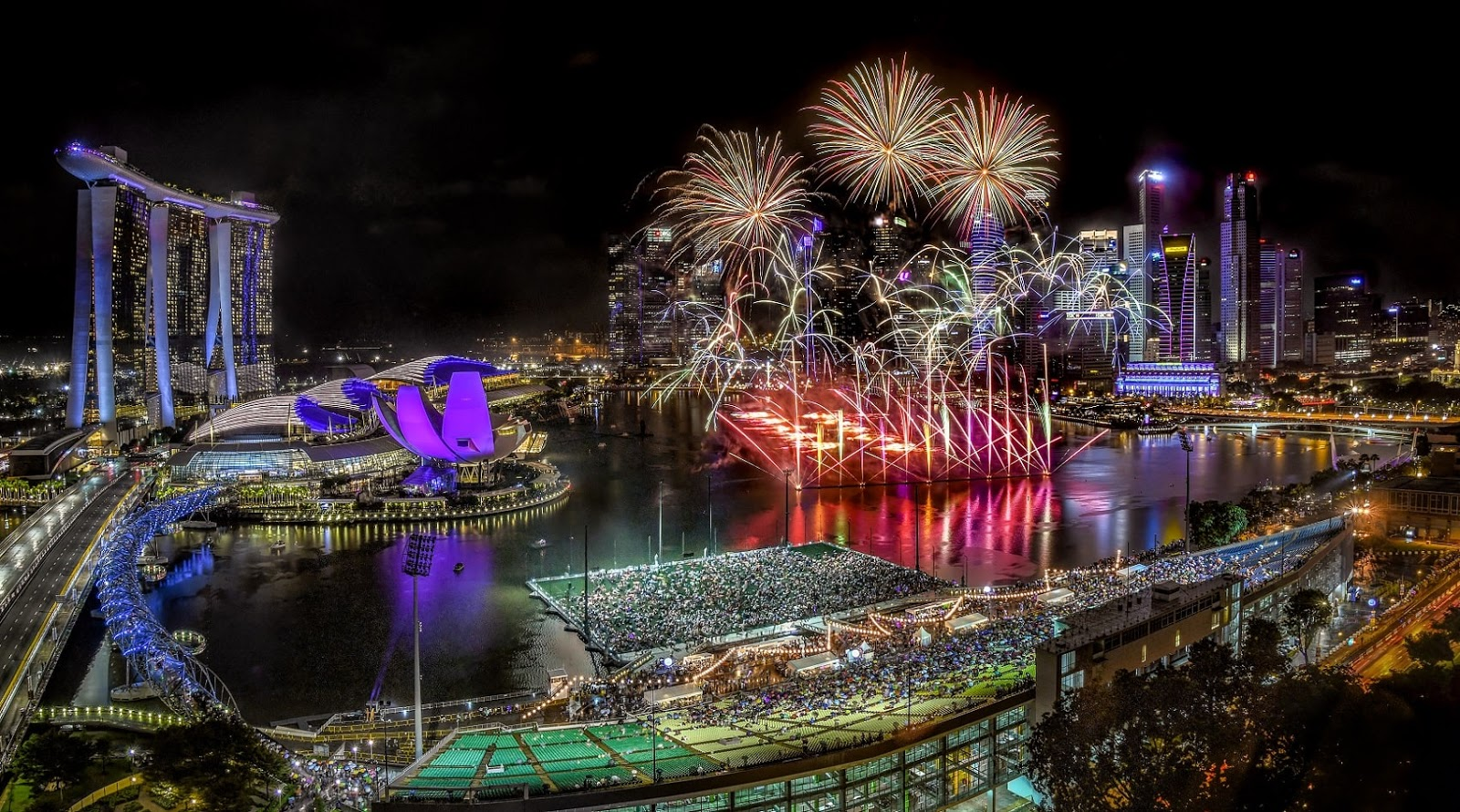 Kết quả hình ảnh cho new year in singapore 2019