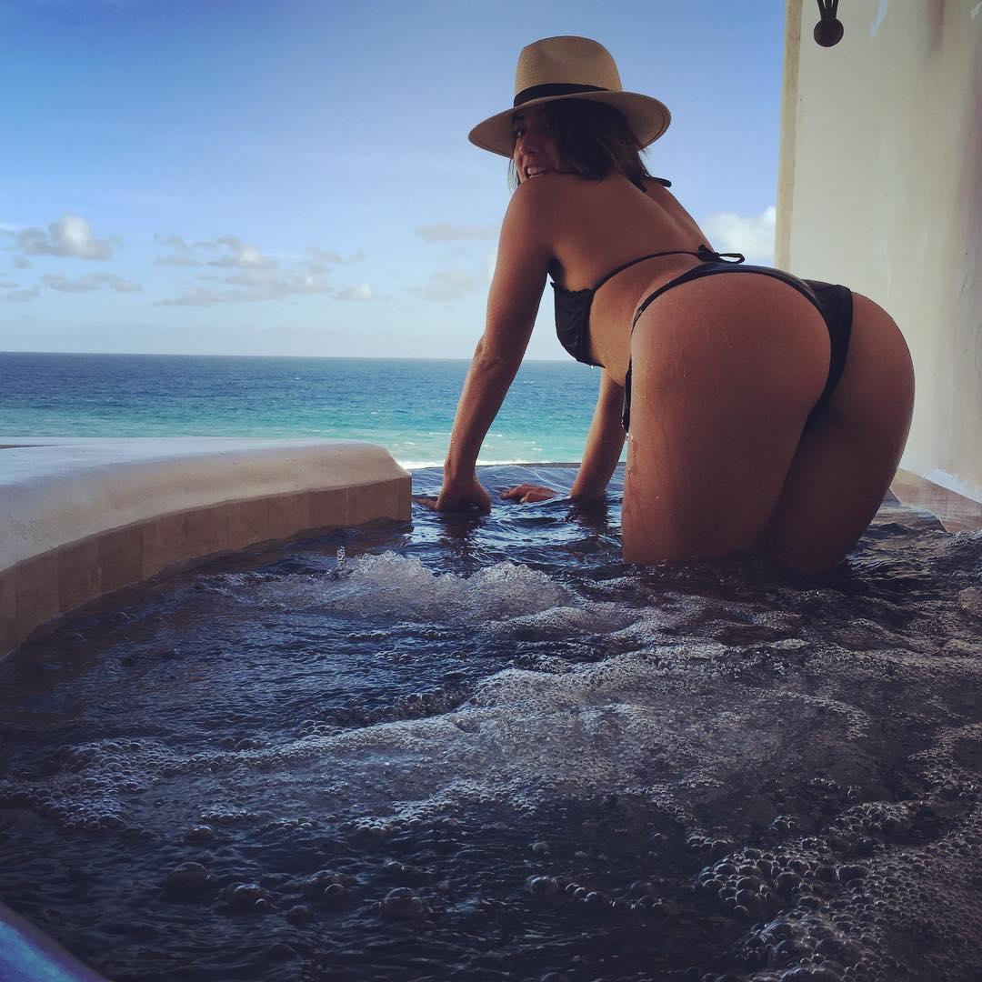 chloe bennet's butt ~ toylab