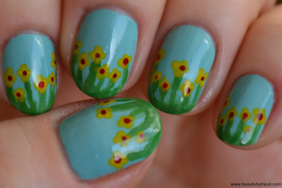 free handed spring flowers manicure