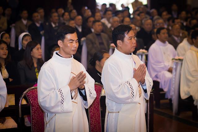 Lễ truyền chức Phó tế và Linh mục tại Giáo phận Lạng Sơn Cao Bằng 27.12.2017 - Ảnh minh hoạ 126