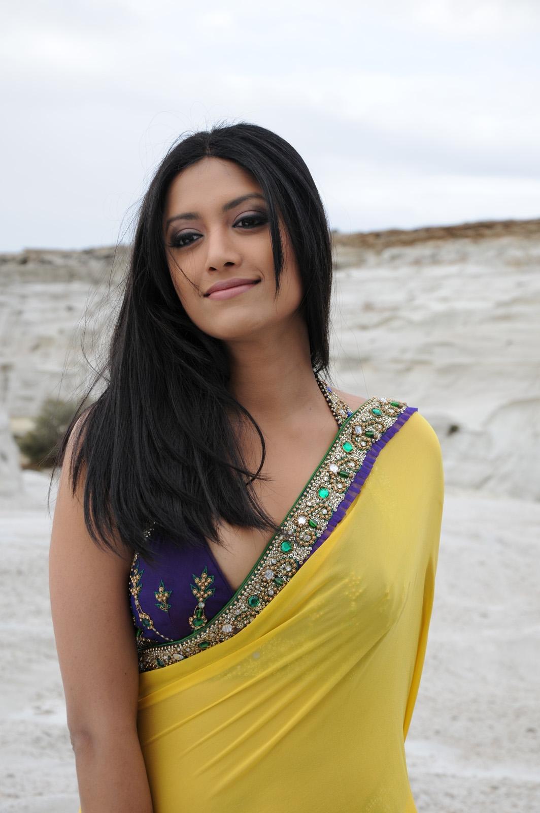 Mamta mohandas in yellow saree from kedi