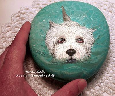 west highland white terrier ritratto dipinto su sasso di mare