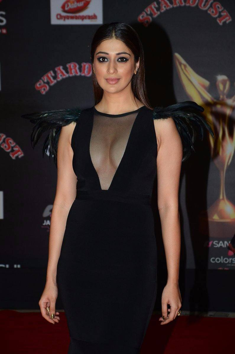 Raai Laxmi In Black Dress At Star Dust Awards