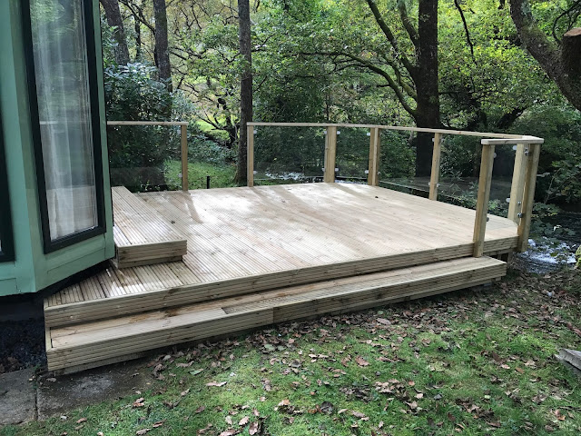 Decking glass railings