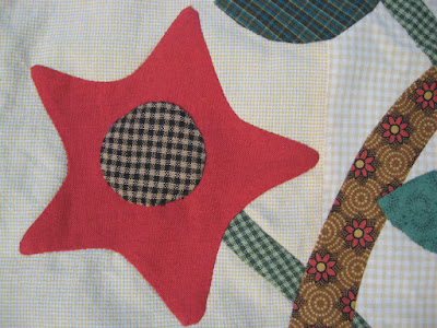 applique flower for Gwennie-Inspired Medallion quilt