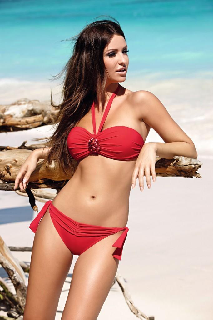 Celebrities Spy Polish model Monika Pietrasinska Swimwear