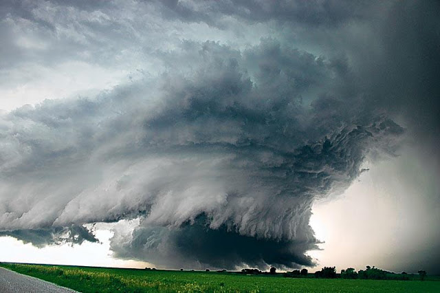 Amazing supercell, tornado, thunderstorm