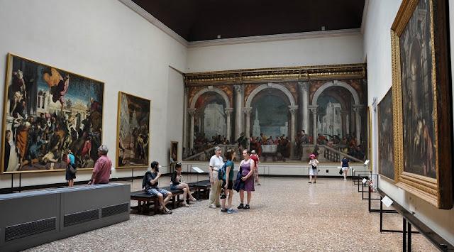Interior da Accademia em Veneza