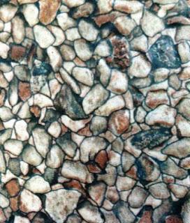 Keramik motif batu bulat campur