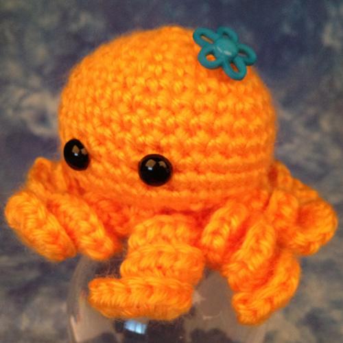 Mini Amigurumi Octopus - Free Pattern