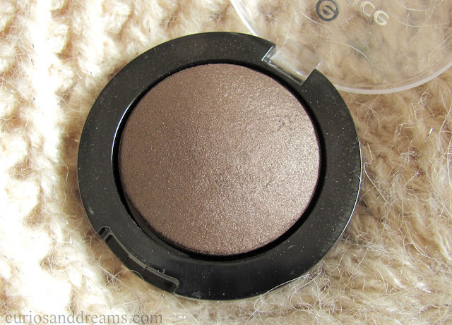 Essence I Love Nude Eyeshadow Coffee Bean Review