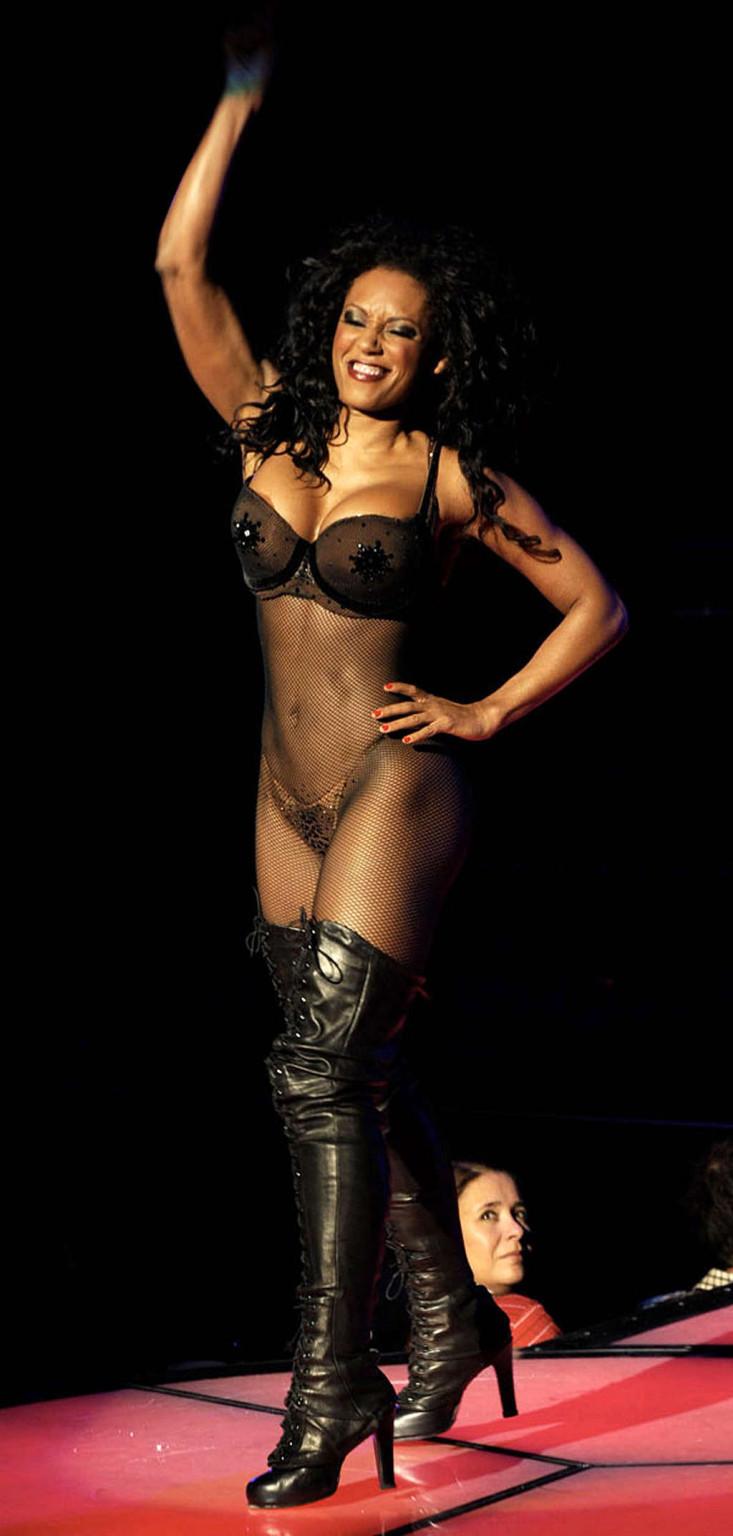 Melanie Brown Nude Pictures