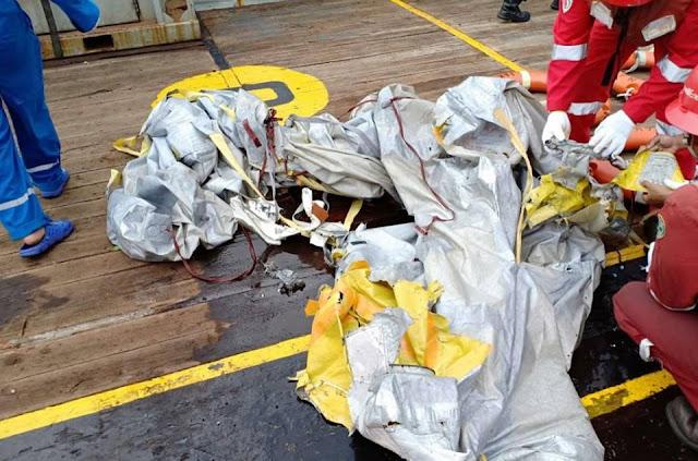 Video đầu tiên của máy bay của hãng hàng không Lion Air (Indonesia) rơi xuống biển