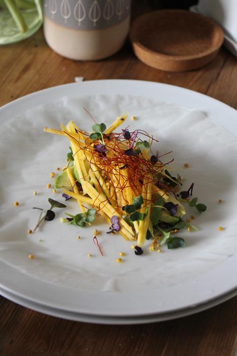 Sommerrolle mit Avocado und Chili