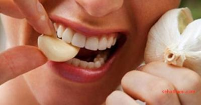 cara mengatasi gigi berlubang dengan bawang putih