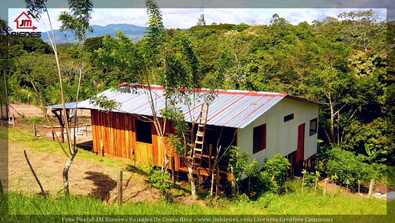 Construcción De Casas De Campo En Tronadora De Tilarán