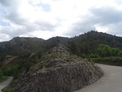 Beseit, Fortins de Cabrera, fortines de Ramón Cabrera , Beceite, curva, camino, parrizal,, fuertes de Cabrera