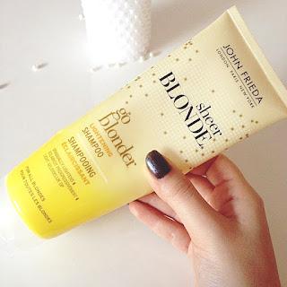 John Frieda Sarı Saçlara Güneş Işıltısı İçin Şampuan