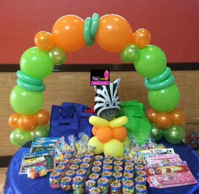 Safari themed cake arch